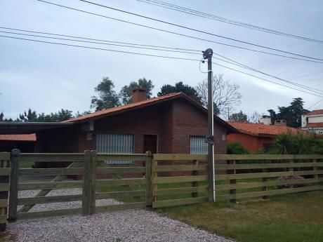 3 Dorm,2 Baños,jardin C/parrillero, Excelente Ubicacnion