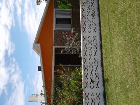Casa 5 Ambientes , 2 Baños