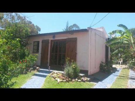 Casa En Playa Hermosa A 4 Cuadras De La Costa