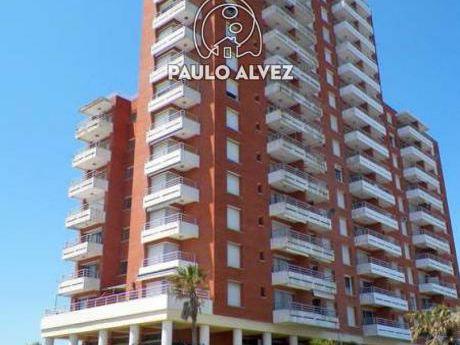La Riviera_piso 7 (2007)