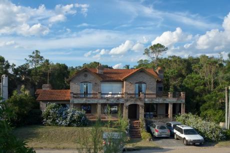 Excelente Casa En Playa Verde