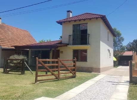 Hermosa Casa A 300 Metros De La Playa!