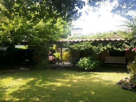 Hermosa Casa En La Floresta Comoda Jardin Aire Bien Ubicada