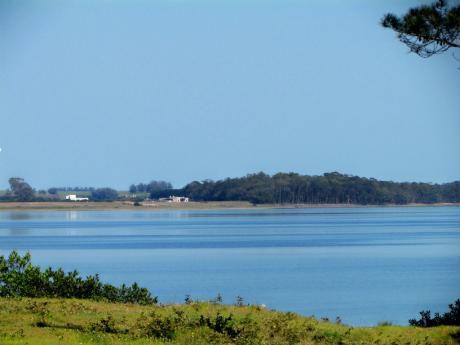Laguna Garzón. Alquiler De Propiedades En Un Entorno único Entre Laguna Y Océano