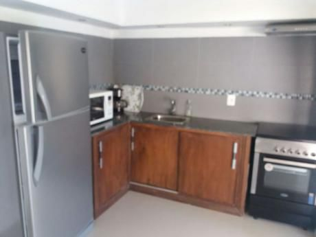 Casa En Alquiler 4 Dormitorios