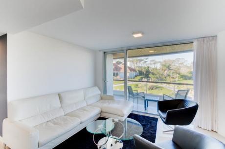 Moderno Apartamento En Punta Del Este