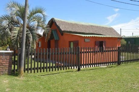 Cómoda Casa En El Corazon De Rocha