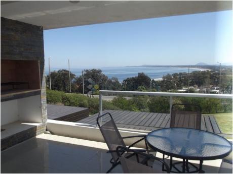 Espectacular Vista A La Bahía De Solanas