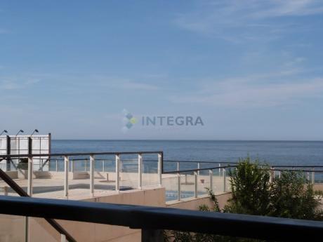 3 Ambientes Con Vista Al Mar Y Amenidades.