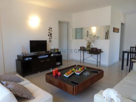 Amplio Apartamento De Dos Ambientes, Península.