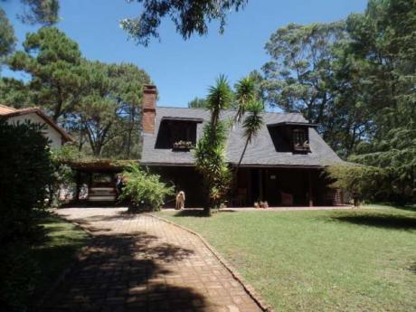 Casa En Solanas Country - Ref: Pb1880