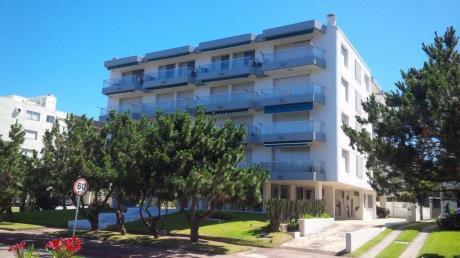 Apartamento En Playa Mansa Punta Del Este