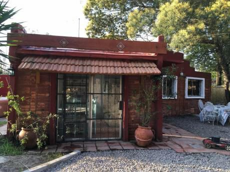 Preciosa Casa Con Piscina Y Jacuzzi Llega A 40* Y Parriller