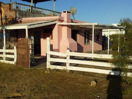 Casa En Manantiales Punta Del Este A 2 Cuadras De La Playa!!