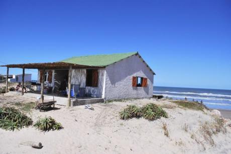 Hermosa Casa En Las Afueras De Aguas Dulces