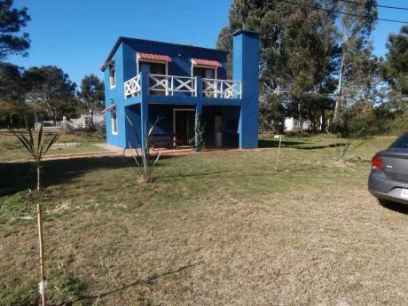 Alquilo Hermosa Casa A Metros Del Mar !!!
