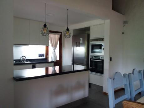 Casa En Pinares; Con Comodidad Para 11 Personas
