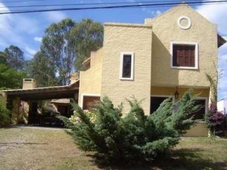 Alquiler Excelente Casa En La Barra, Punta Del Este.