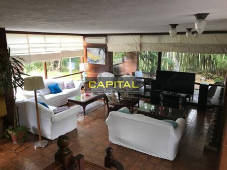 Excelente Chalet De 5 Dormitorios A Metros De La Playa Mansa!