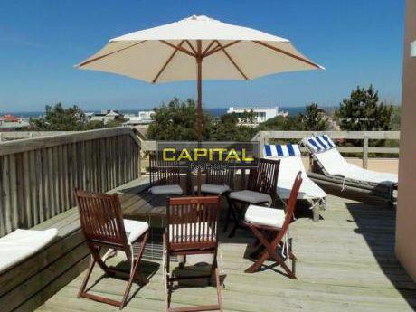 Apartamento De 3 Dormitorios En Bikini Beach - Manantiales