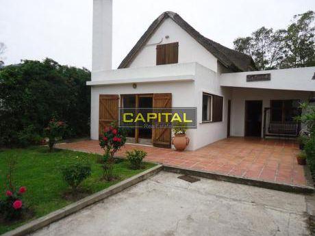 Muy Linda Casa De 3 Dormitorios En La Barra