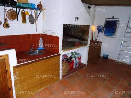 Casa En Manantiales + 3 Dormitorios