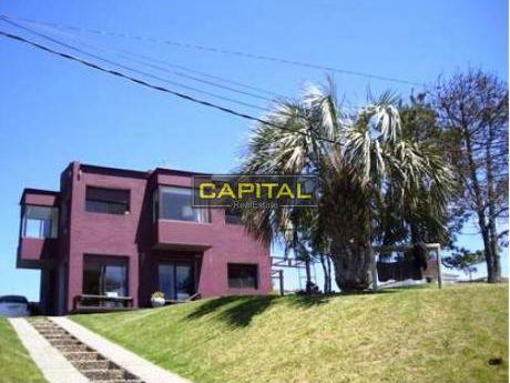 Casas En Punta Piedras