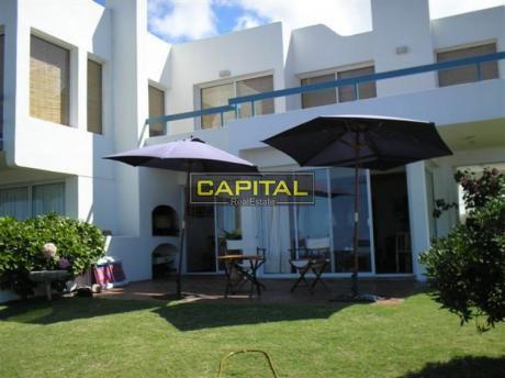 Muy Lindo Apartamento En Excelente Ubicación Y Vista A Playa Montoya!