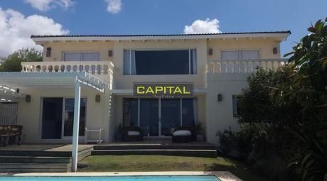Casa Montoya 4 Dorm. + Dep. Servicio Con Piscina