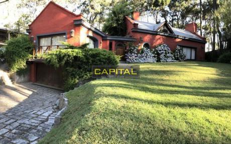 Excelente Casa De 3 Dormitorios En Montoya