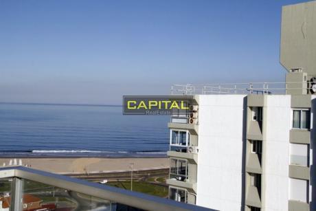 Apartamentoen Playa Mansa - 3 Dormitorios
