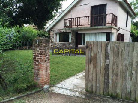 Casa Pinares 2 Dorm. Alquiler Anual