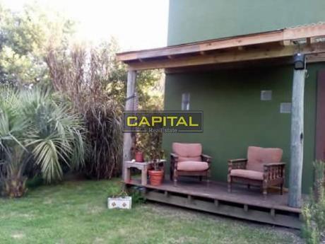 Casa Dos Ambientes En El Tesoro