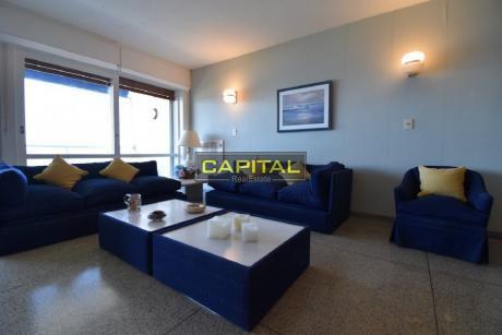 Apartamento De 2 Dormitorios En Alquiler - Primera Línea Playa Mansa!