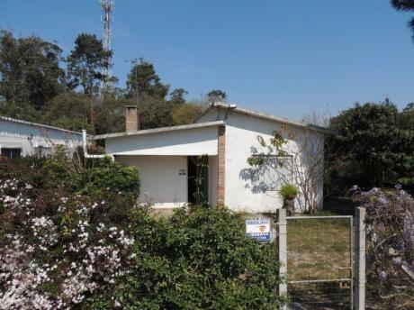 Casa Con 3 Cuartos, Dos Baños, Churrasquera, Alarma Y Terreno Cerrado.