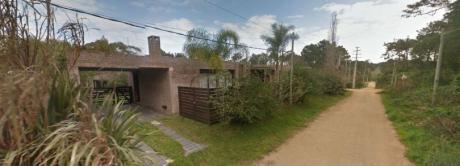 Casa Amplia Y Coqueta