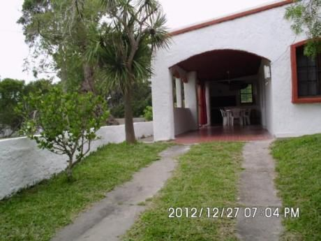 Casa 2 Y Media Cuadras De La Playa