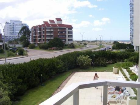 Edificio Torre Marina 1, A Una Cuadra De La Brava