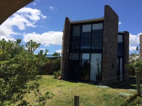 Casa De Piedra - Punta Rubia