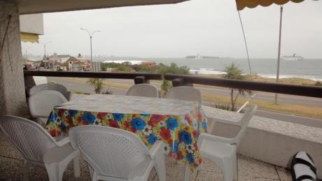 Gran Terraza Sobre Playa Mansa!