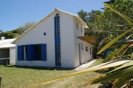 Casa Con Bosque Al Fondo