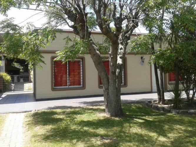 El aleph casa con piscina climatizada casa en alquiler en costa azul canelones - Alquiler casa con piscina climatizada ...