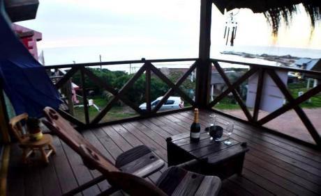 Cabaña Con Mirador Frente Al Mar Zona Centro , Estufa A Leña.