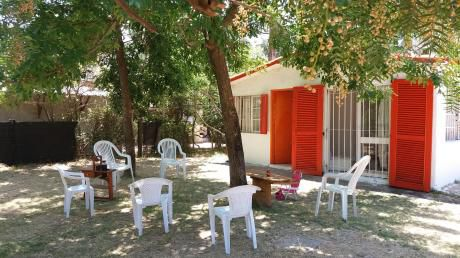 Casa Arbolada Muy Amplia En Santa Ana A 5