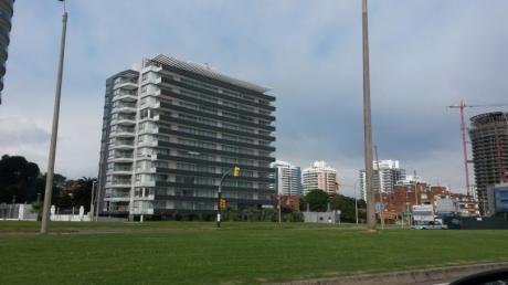 Apartamento En Torre Del Mar Con Terraza Exclusiva En Penthouse
