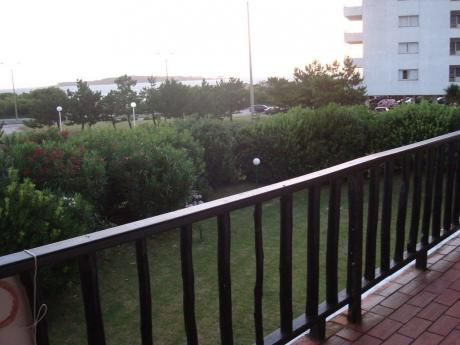 Gran Apartamento, Con La Comodidad De Una Casa Y La Seguridad Un Apartamento.