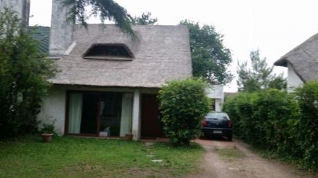 Kraal. Casa Para 6 Personas En Pinares A 400m De La Playa, Parrillero, Wifi.