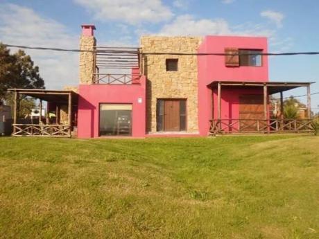 Hermosa Casa Frente Al Mar, Piriápolis, Playa Hermosa