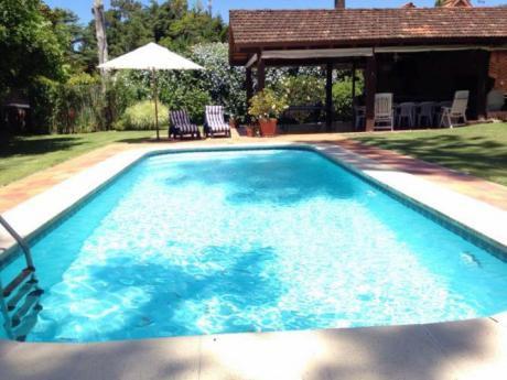Espectacular Casa Con Piscina Climatizada!