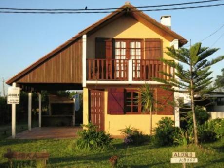 Libra, Excepcional Casa A 80 Mts. Del Mar